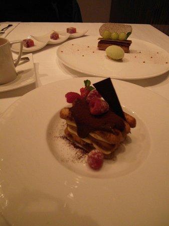 A Cut Steakhouse: Dessert
