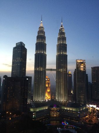 Traders Hotel, Kuala Lumpur : View from room - evening