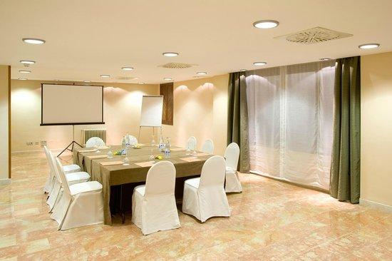 NH Cordoba Califa: MEETING ROOM