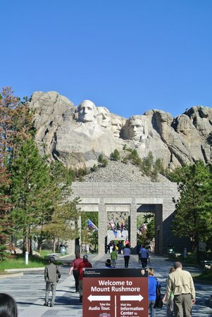 Mount Rushmore National Memorial: walking up.. so exciting to see from the start!