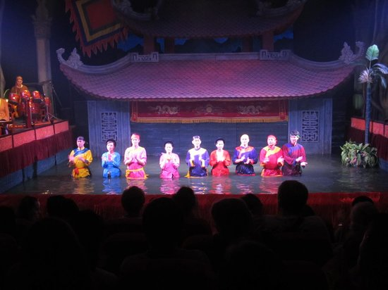 Thang Long Water Puppet Theater: Puppeteers at the end