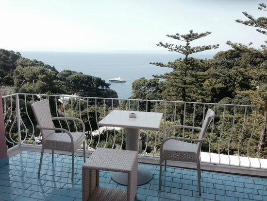 Hotel La Vega : Blick aufs Meer von der Ebene des Empfangs