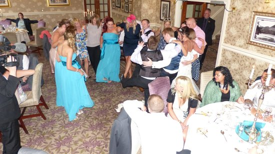 Inn on the Lake: Wedding breakfast room dancing