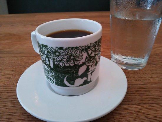 Pingvinen: このコーヒーカップ、一緒に行ったノルウェーのお友達が子供の頃使ってたと懐かしそうでした。