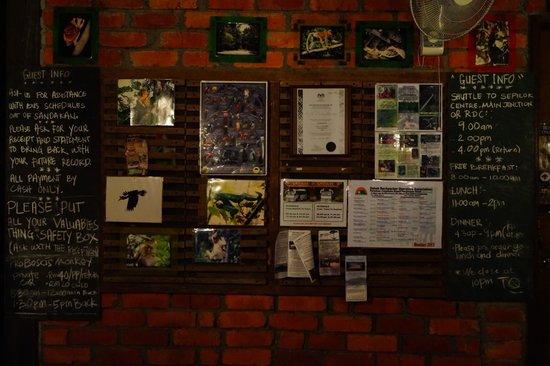 Paganakan Dii Tropical Retreat : notice board