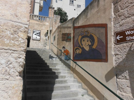 Bunkeranlage Mellieħa: Graffitti to entrance of the Air Raid Shelter