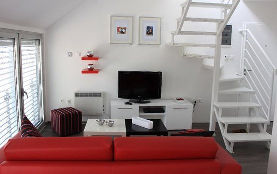Maslacak Apartmani: Red Apartment