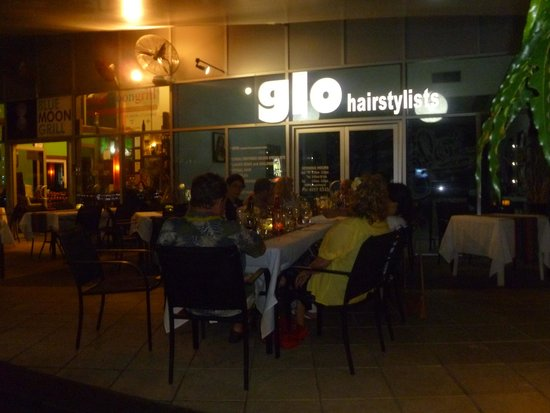 Alfresco Dining at Blue Moon Grill