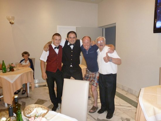 Hotel Club Sorrento: The boys with hubbie