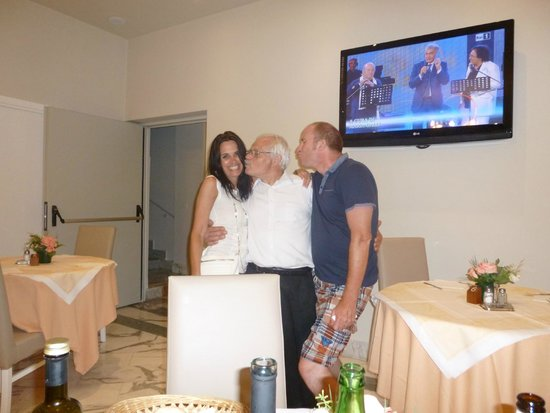 Hotel Club Sorrento: The lovely Franco doing what he does best .... flirting!!!