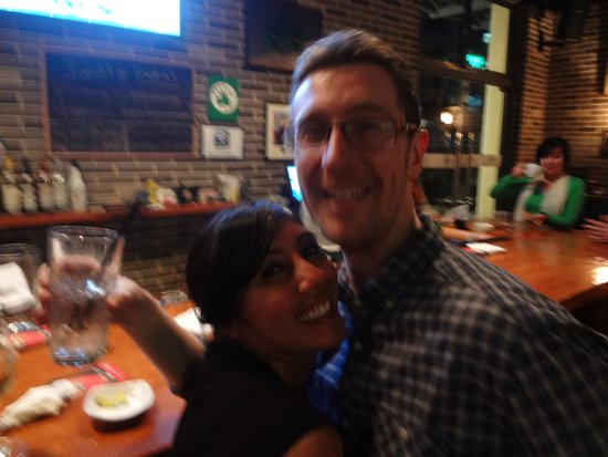 Frankie's Bar & Grille : Steve and Vanessa