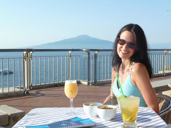 Hotel Club Sorrento: Sunset cocktails at Terrazza