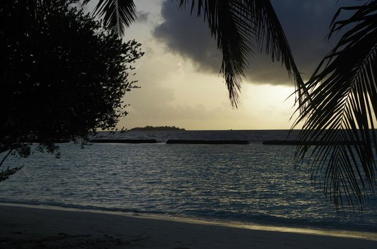 Kurumba Maldives: Sunset