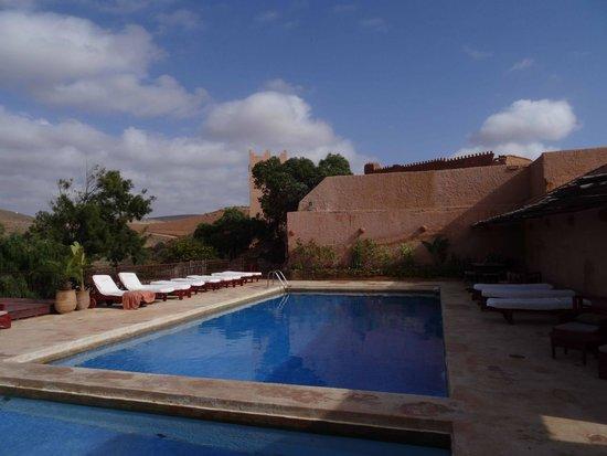 Les 3 Chameaux: la piscine