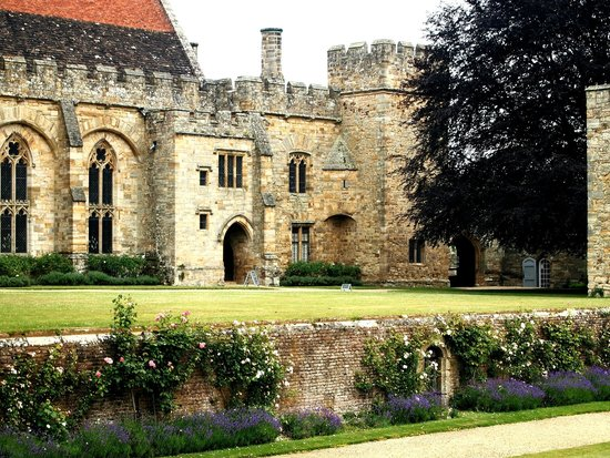 Penshurst Place & Gardens: the palace