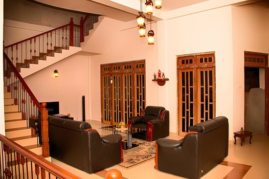 Kandy Guest House: Living area