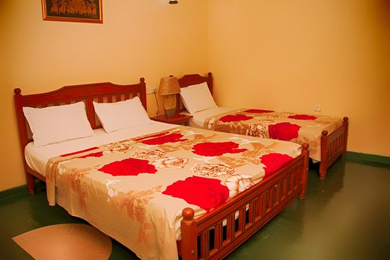 Kandy Guest House: Triple Room