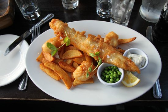 a room in Leith and Teuchters Landing: le fish and chips