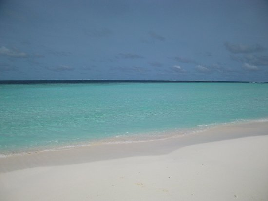 Constance Moofushi: The stunning beach and beautiful ocean...