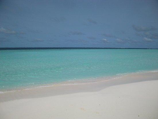 Constance Moofushi: The stunning beach and beautiful ocean...