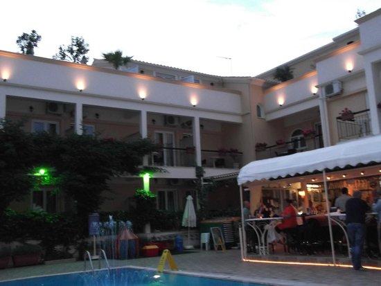 Telesilla poolside Restaurant: Excellent Food