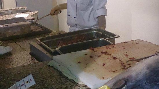 El Mouradi Mahdia : thon frais cuit à la grillade