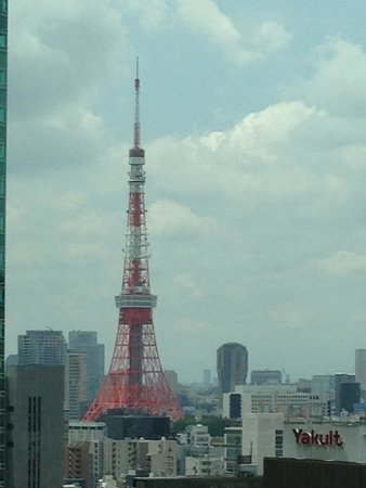 Mitsui Garden Hotel Ginza Premier: TOKYO Tower!! The symbol of Tokyo. At night, so beautiful.