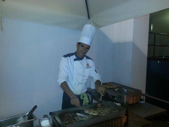 Ibis Alger Aeroport Hotel: Chef à la Plancha