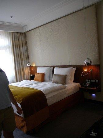 Hotel Vier Jahreszeiten Kempinski Munchen: Room nr. 412