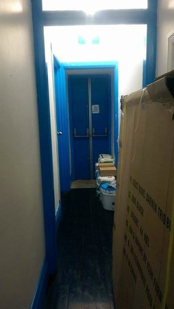 Sydney Central Backpackers: blocked fire exit and room, hard getting suitcases through