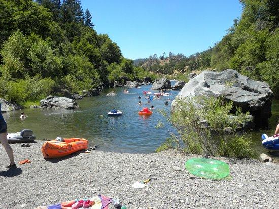 Emandal : Robin's Pool on River