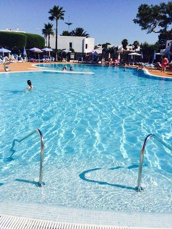 Gavimar Ariel Chico Club Resort: The main pool