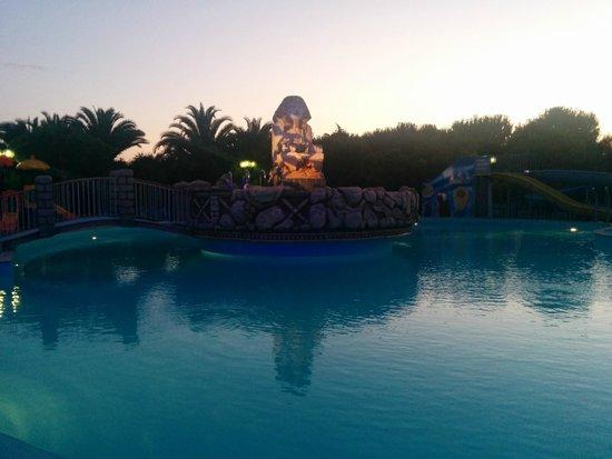 Villaggio Club Centro Vacanze: Piscina villaggio