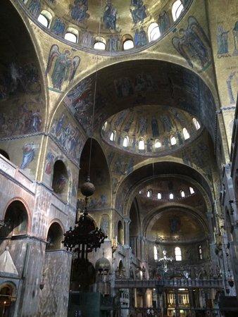 Basílica de San Marcos: La basilica!!