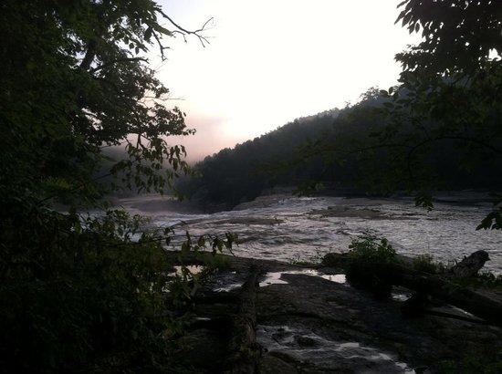 Cumberland Falls State Resort Park : Beautiful river