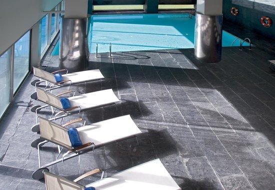 NH Collection Santiago de Compostela: Swimming Pool