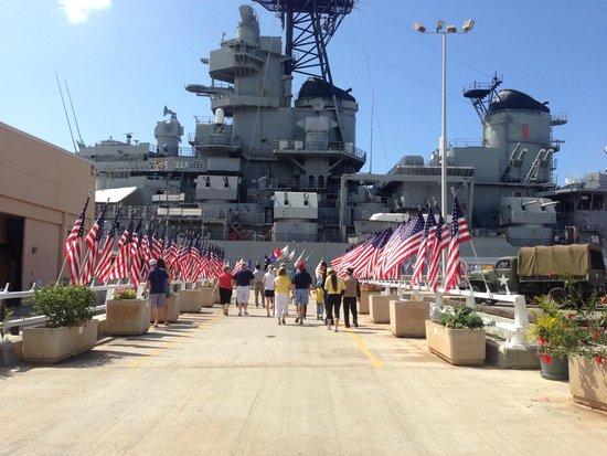 USS Arizona Memorial: Entrance of Arizona