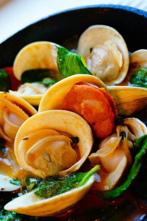 The Grille: Linguica and Little neck clams