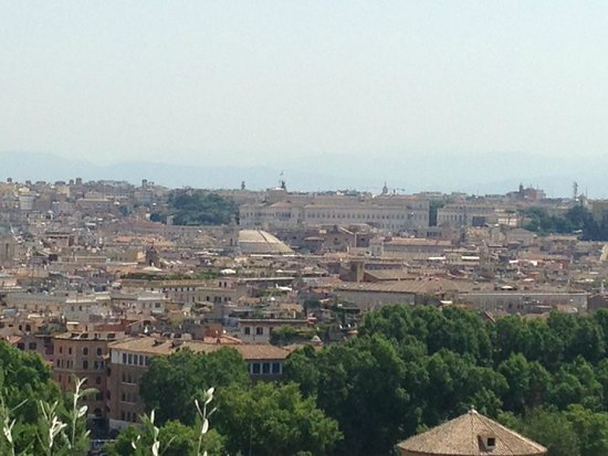 Panorama dalla terrazza del Gianicolo: fotografía de Colle del ...