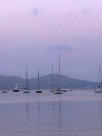 Puerto Azul Suite Hotel: Evening at Puerto Pollensa Marina