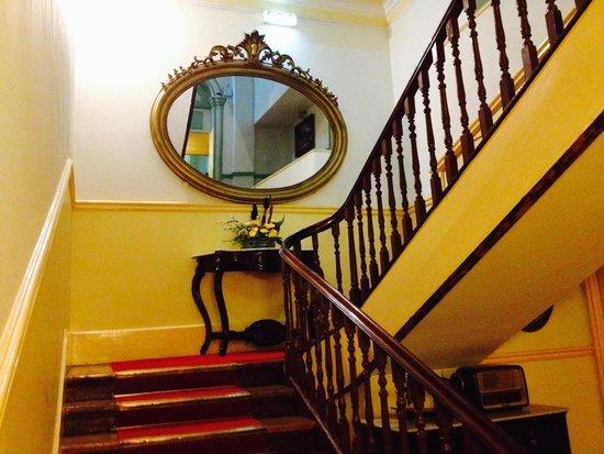 Grande Hotel Do Porto : Stairway at 1st Floor.