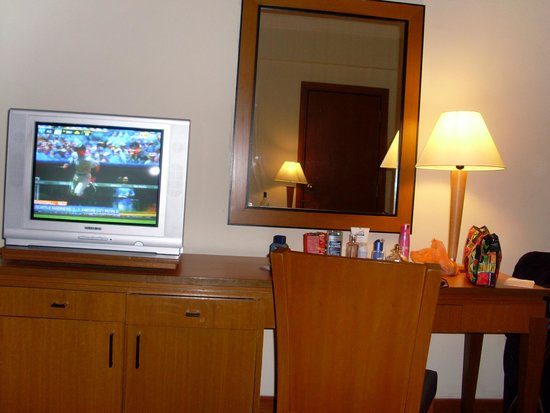 Grand Seasons Hotel : Old designed rooms!