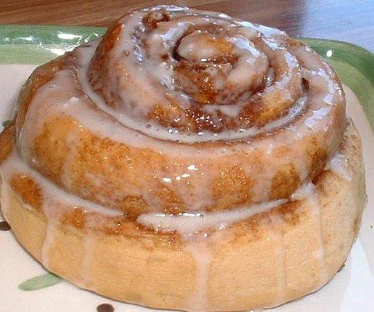 House of Bread: Cinnamon Roll