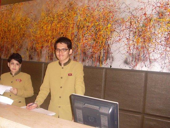 Grand Seasons Hotel : Mr. Kelvin
