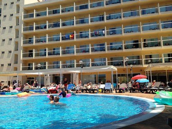 AluaSun Torrenova: Pool area
