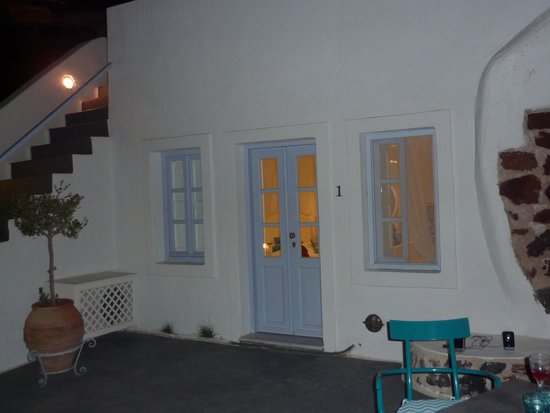 Armeni Village Rooms & Suites: Terrasse chambre n°1