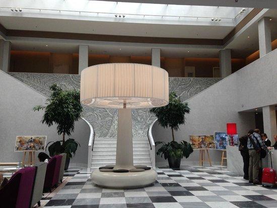 Hyperion Hotel Dresden am Schloss: Lobby da Recepção