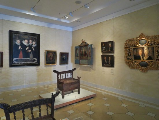 Musée national d'Islande : Danish period paintings and furniture