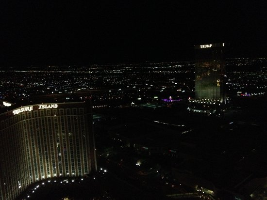 The Palazzo Resort Hotel Casino: View of the Strip at Night