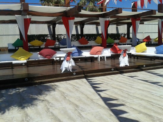 Voyage Sorgun: Prada Beach Club Area